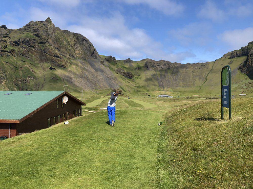 Island, země ohně a ledu nebo golfový ráj?